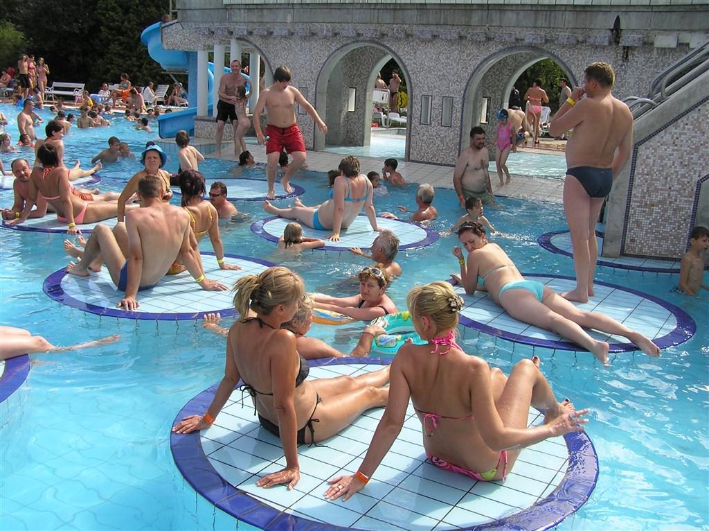 Poznávací zájezdy - Termální lázně - Maďarsko - Eger - městské termální lázně
